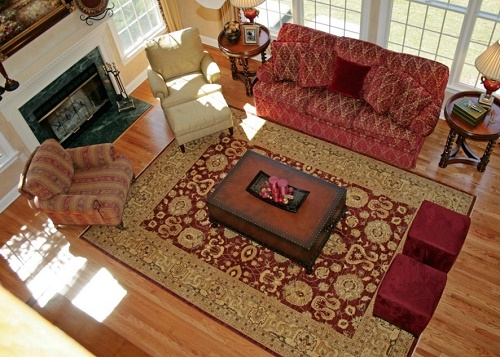 Attractive rug for living room.