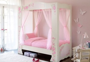 Beautiful girls bedroom decorating ideas.
