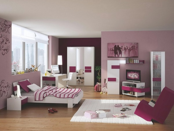 Pink-purple bedroom design for teenager