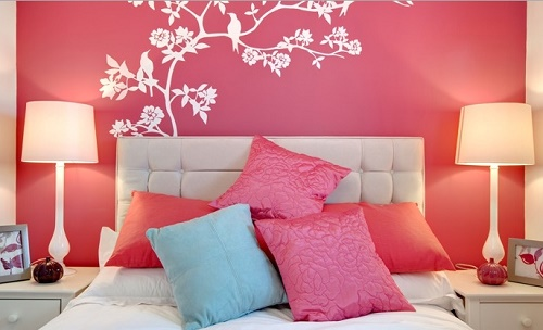 Use lovely cushions, pillows to decorate home interior.