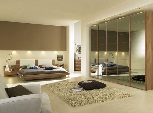 7 Ideas To Decorate Bedroom With Mirrors.