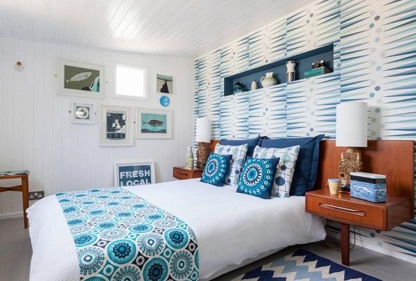 Lovely blue-white bedroom for couples