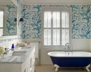 Blue color wallpaper ideas for bathroom interior decor.