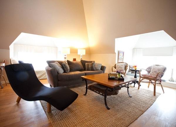 Jute rug for living room.