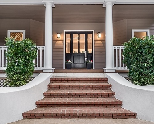 10 best ways to add Curb Appeal.
