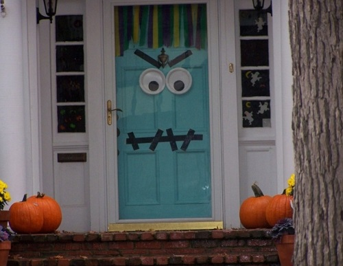 door decor for halloween day