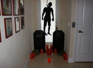 hanging halloween decoration tips
