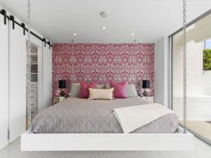 Stylish pink-white bedroom design by homedecorbuzz.com