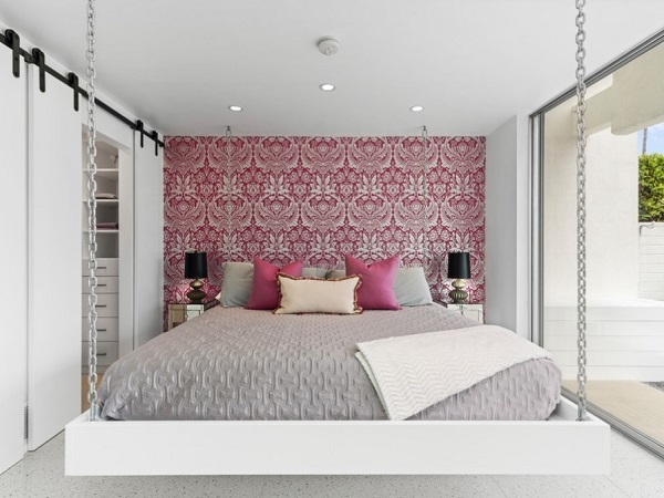 Stylish pink-white bedroom design by homedecorbuzz.com