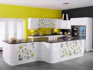 Beautiful yellow-white kitchen design