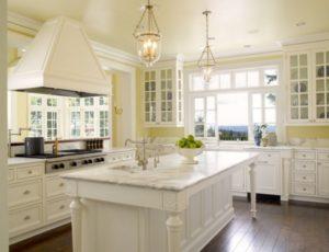Classic yellow-white kitchen decor photos