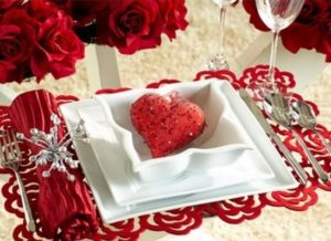 Charming table decor for 14 February valentines day