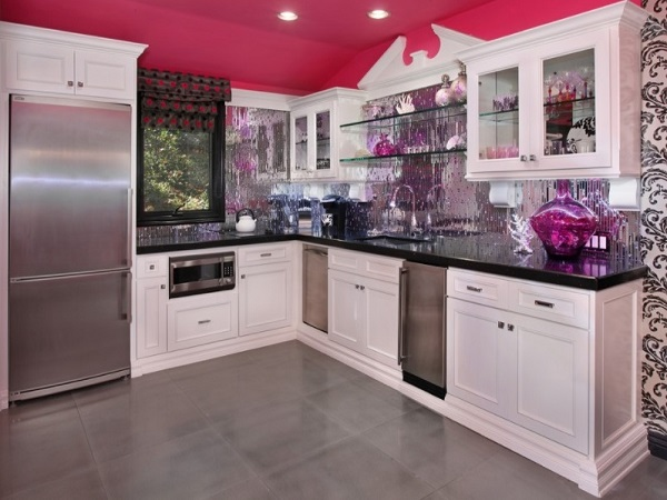 28 pink kitchen decorating ideas in pleasant pink for Kitchen decoration pink