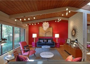 Hot red living room design photo