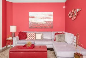 Simple red color decor for living room design