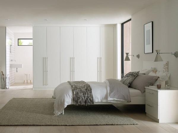 White wardrobes for bedroom decor from homedecorbuzz