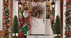 10 Most Beautiful Christmas Door Decoration Ideas for 2021