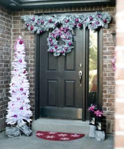 Snow Christmas door decoration photo by homedecorbuzz