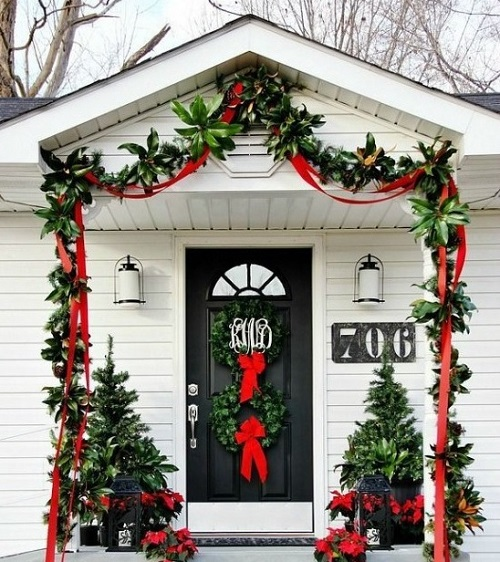 Most beautiful Christmas front door decoration