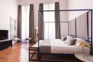 King size bedroom Costaguti experience