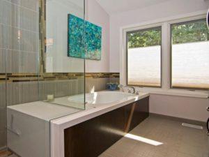 Undermount Tub for bathroom by homedecorbuzz