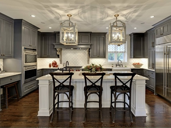 Island kitchen design photo by homedecorbuzz