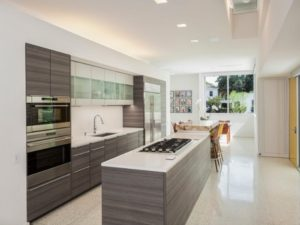 Modern kitchen design photo by homedecorbuzz